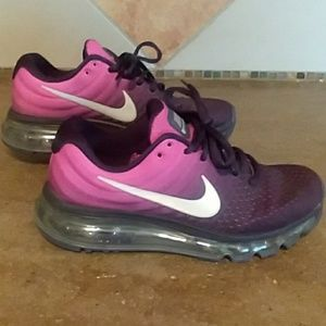 Nike air max- Like NEW-women sz 6, girls 5.5
